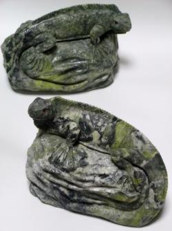 ペルーお土産 イグアナ置物 蛇紋石